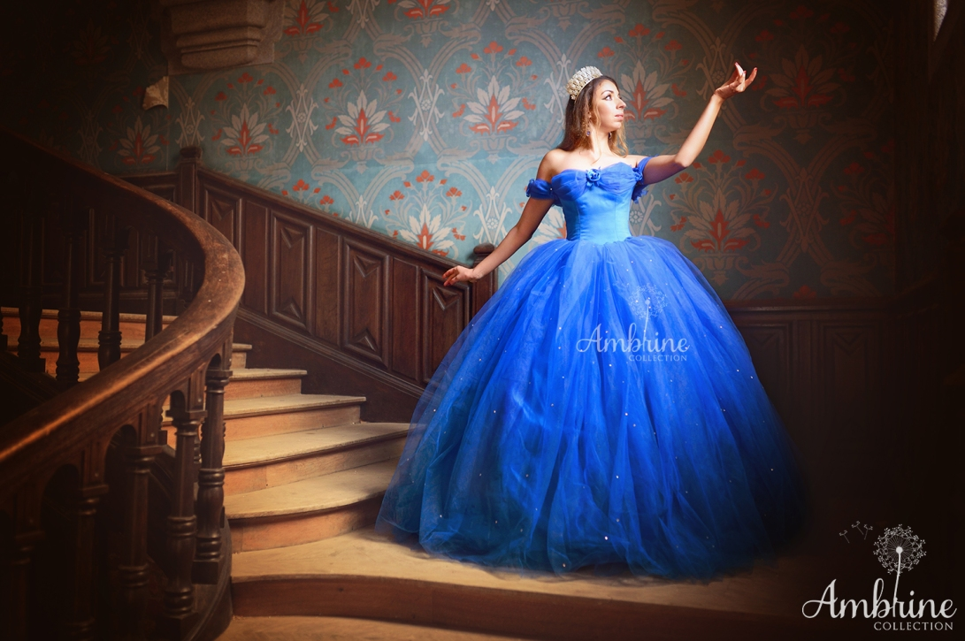photo-robe-bleue-romantique-azur-princesse-ambrine-collection-bordeaux