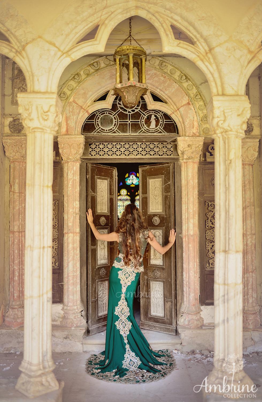 photo-robe-orientale-mysterieuse-ambrine-collection-bordeaux-3