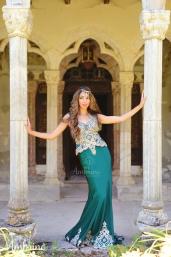photo-robe-orientale-mysterieuse-ambrine-collection-bordeaux-4
