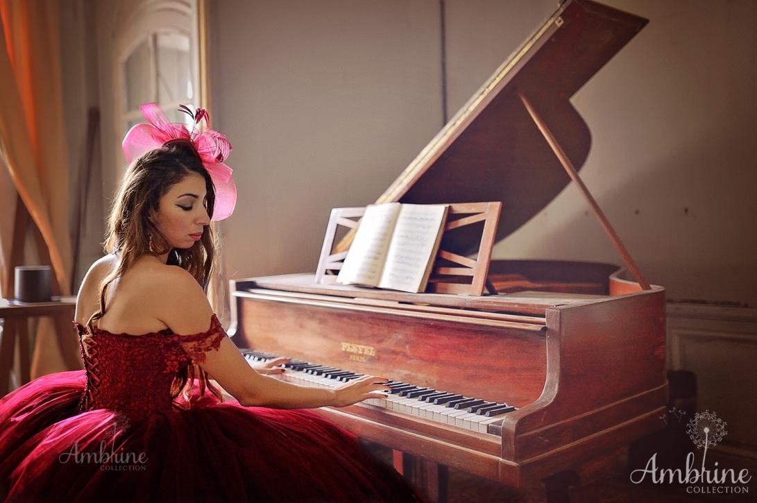 photo-robe-princesse-prestigieuse-ambrine-collection-bordeaux-5