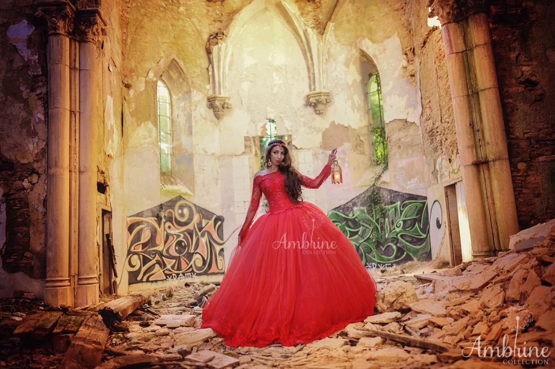 photo-robe-rouge-flamboyante-princesse-ambrine-collection-bordeaux-2